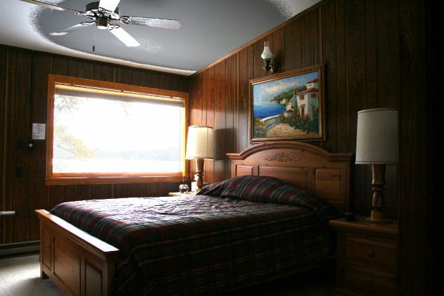 Nasa Hanta Adirondack Room Master Bedroom 2